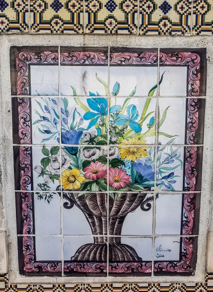 mosaics of Lisbon (2)